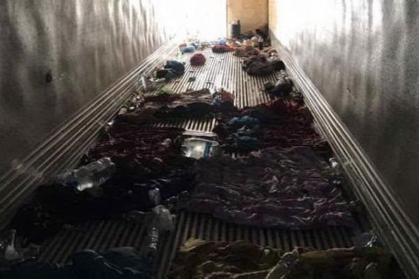 Messico, 146 migranti stipati in un camion merci