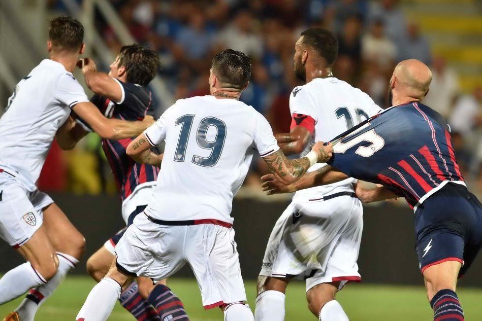 Cagliari-Crotone: l'amichevole finisce con un 2-2