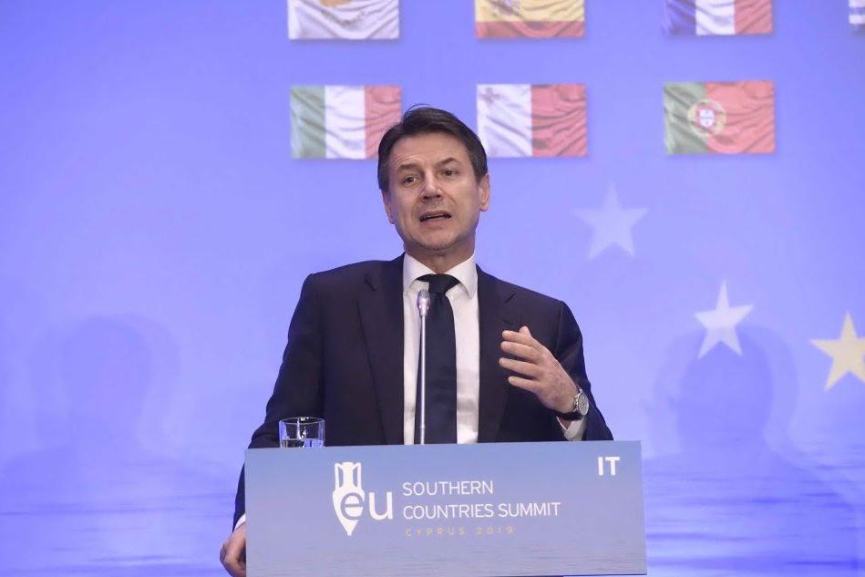 """Caso Diciotti, interviene Conte e difende Salvini: """"Mi assumo io le responsabilità"""""""