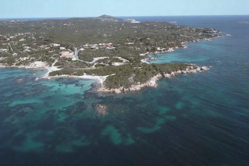 Panorama della Costa Smeralda (Wikipedia)