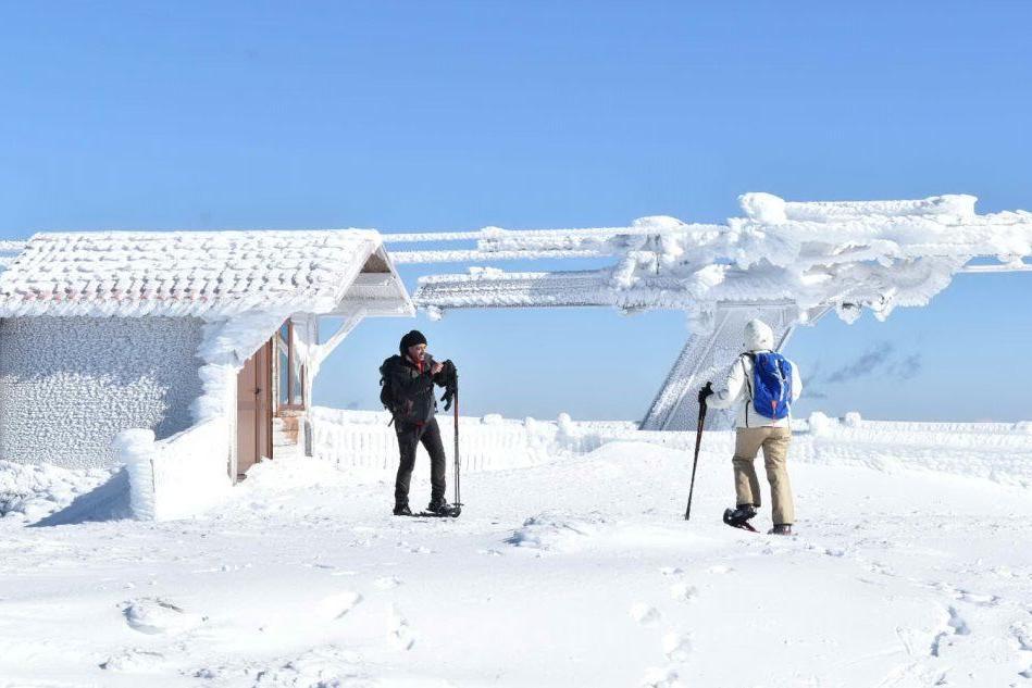Ciaspolate sulla neve: riparte il turismo sul Gennargentu