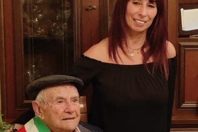 Cossoine in festa per i cento anni di zio Sebastiano Piras