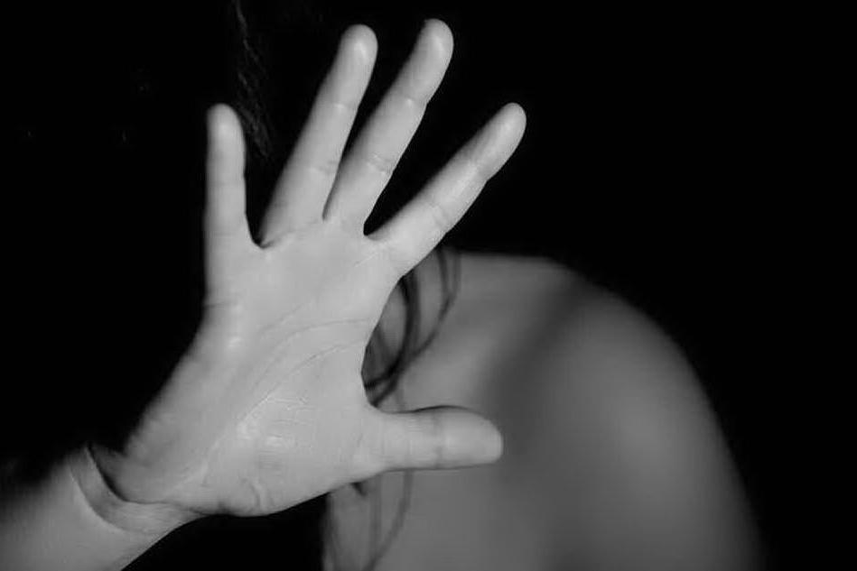 Lei lo lascia, lui la perseguita: 29enne in cella