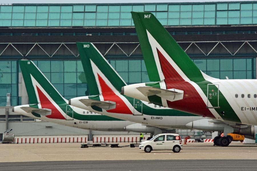 Voli, firmato il decreto: continuitàgarantita anche dopo lo stop di Alitalia