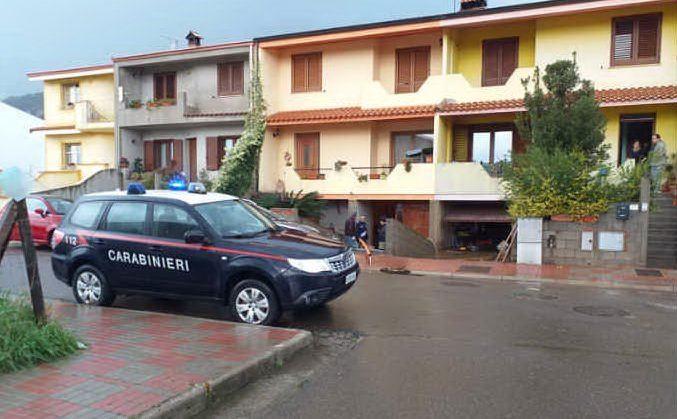 Numerose le strade chiuse in tutta l'Isola (foto carabinieri di Cagliari)