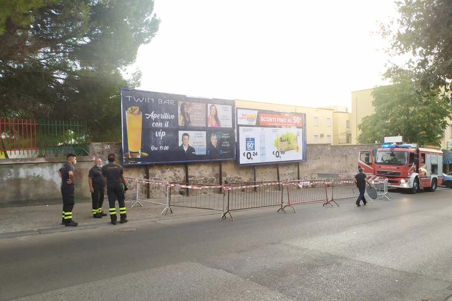"""Cartelloni pubblicitari pericolanti a Carbonia: """"Manutenzione richiesta, mai ricevutorisposta"""""""