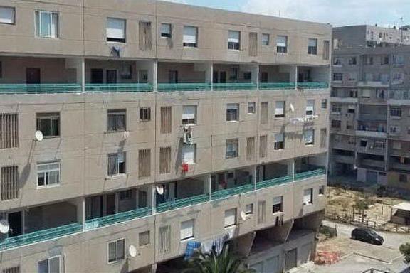Bomba carta esplode a Sant'Elia:boato nella notte, danni a una casa