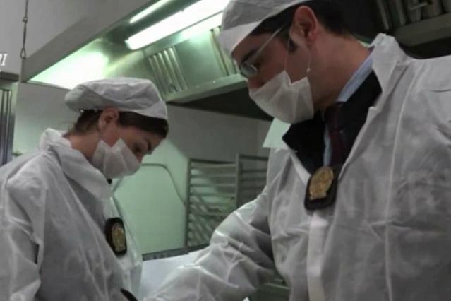 Blitz dei Nas nelle mense ospedaliere: 50 chili di carne scaduta sequestrati a Oristano