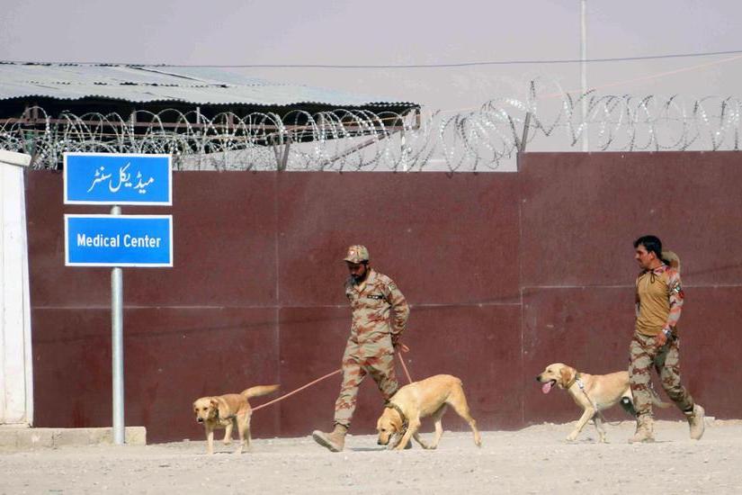 Il valico al confine chiuso dal Pakistan (Ansa)