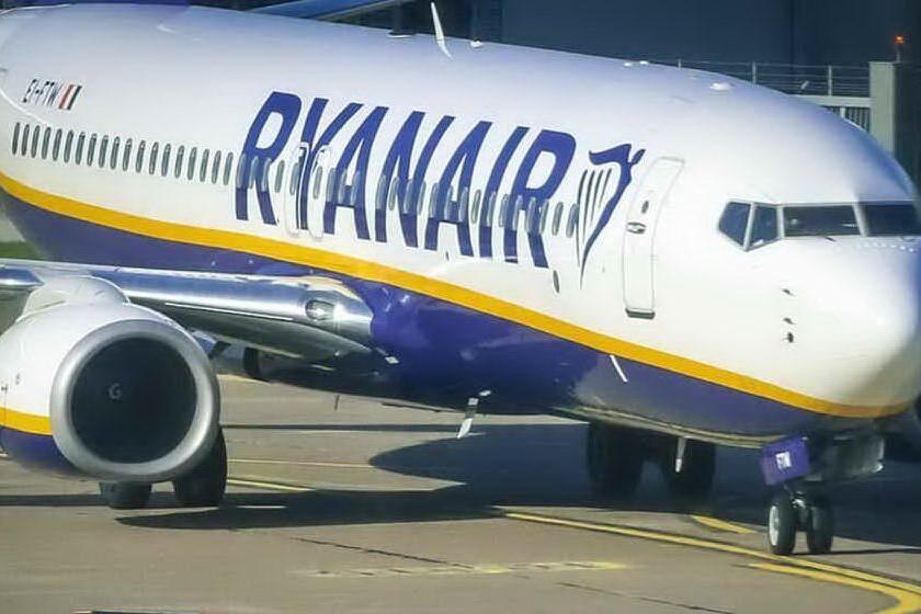 Ryanair assume a Cagliari