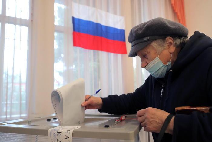 Elezioni per il rinnovo della Duma:il partito di Putin al 41%, seguono i comunisti vicini al 24%