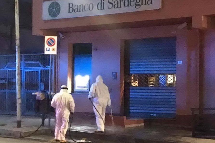 Settimo San Pietro: i volontari sanificano le strade del paese