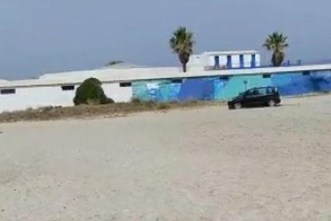 Cagliari, arriva in auto sulla spiaggia: maxi-multa al conducente