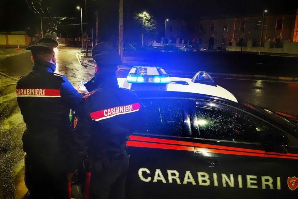 Operatrice socio sanitaria sorpresa a Selargius con l'eroina e un coltello in borsa