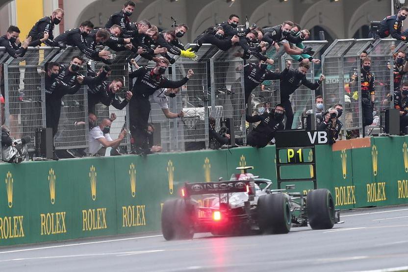 Gp di Turchia:vince la Mercedes di Bottas, Leclerc quarto