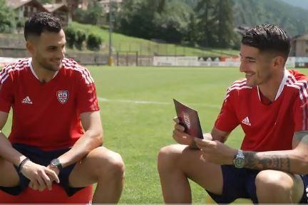 Lykogiannis e Deiola a lezione di sardo (Cagliari Calcio)