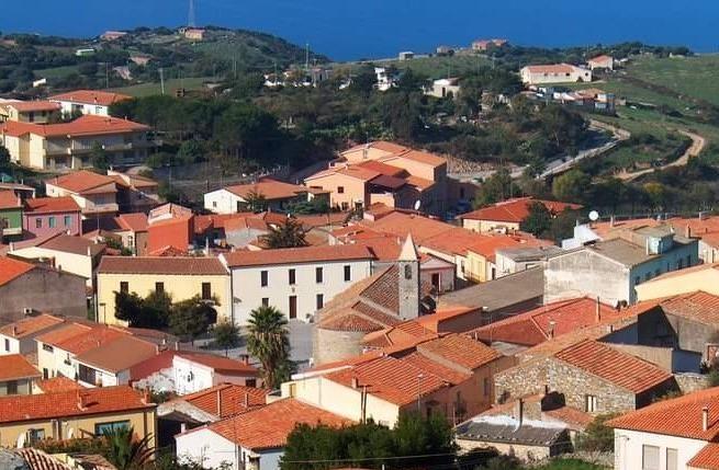 Una panoramica di Trinità d'Agultu (L'Unione Sarda - Tellini)