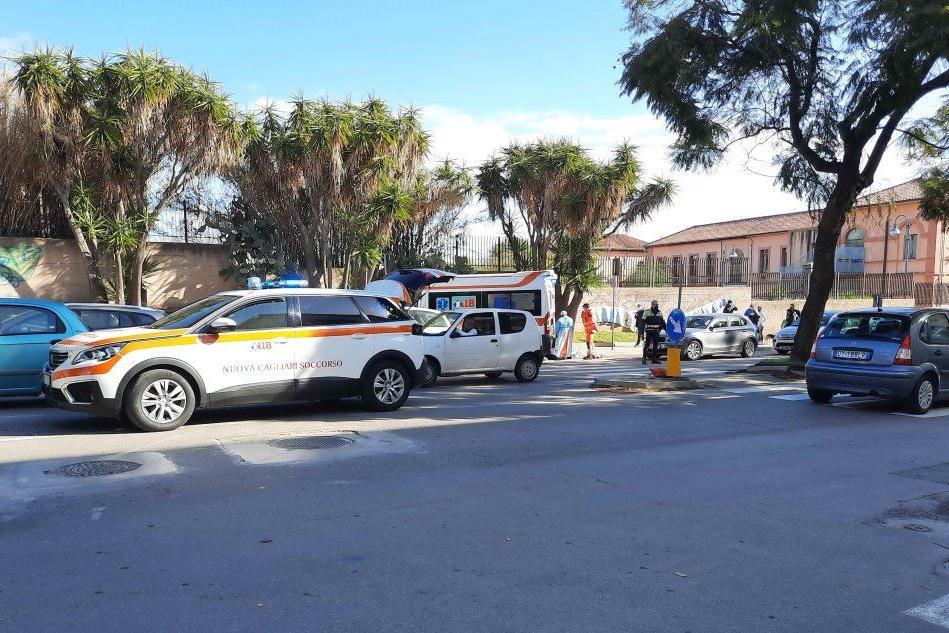 Cagliari, uomo si accascia in strada e muore