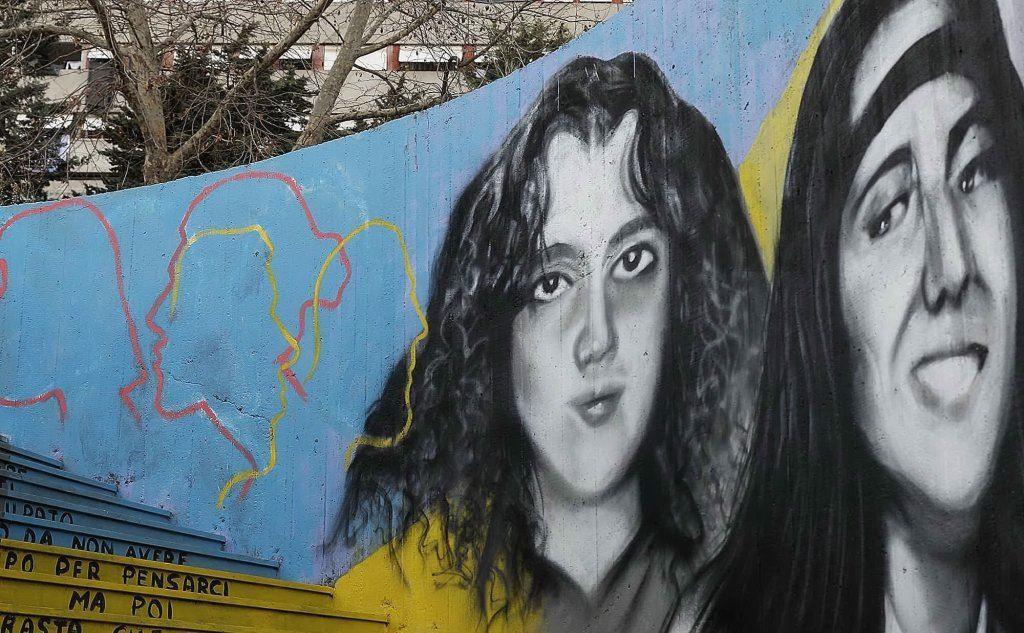 Il murale svelato il 13 gennaio a Corviale dedicato a Emanuela Orlandi e Mirella Gregori entrambe scomparse nel 1983, realizzato dallo street artist Antonino Perrotta e dai Pat, i pittori anonimi del Trullo