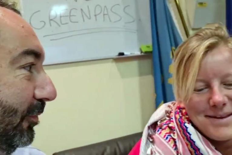 """""""No Green Pass"""", Barillari e l'ex deputata grillina Cunial """"barricati"""" nel consiglio regionale del Lazio"""