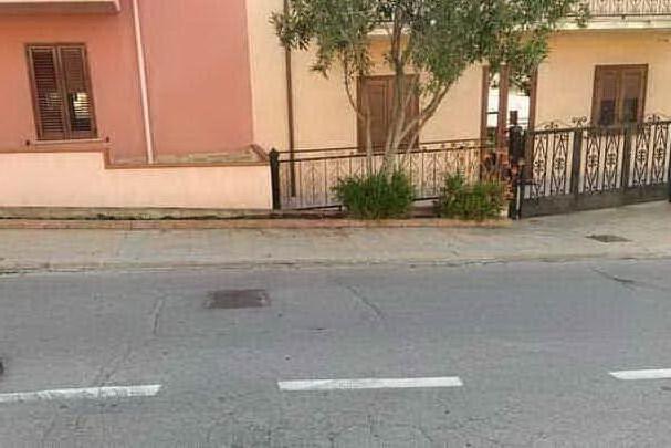 """Bono in lockdown, niente vaccini. Il sindaco: """"La somministrazione deve partire"""""""