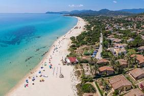 Turismo, boom di Ferragosto: prenotato oltre l'89% delle camere online, Sardegna presa d'assalto