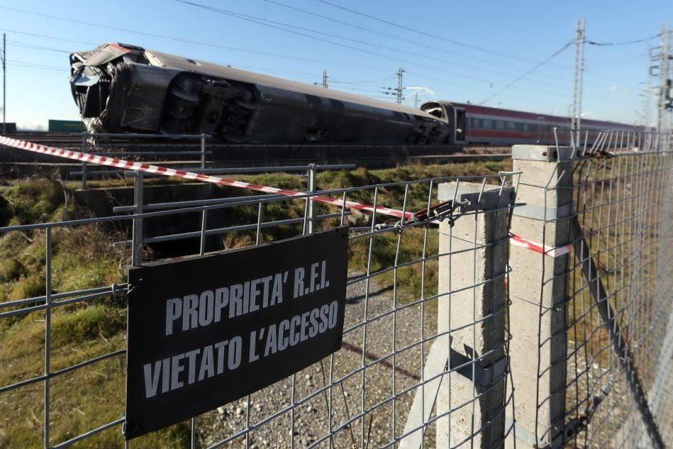 """Treno deragliato, """"colpa di uno scambio difettoso"""": indagato l'ad della società produttrice"""