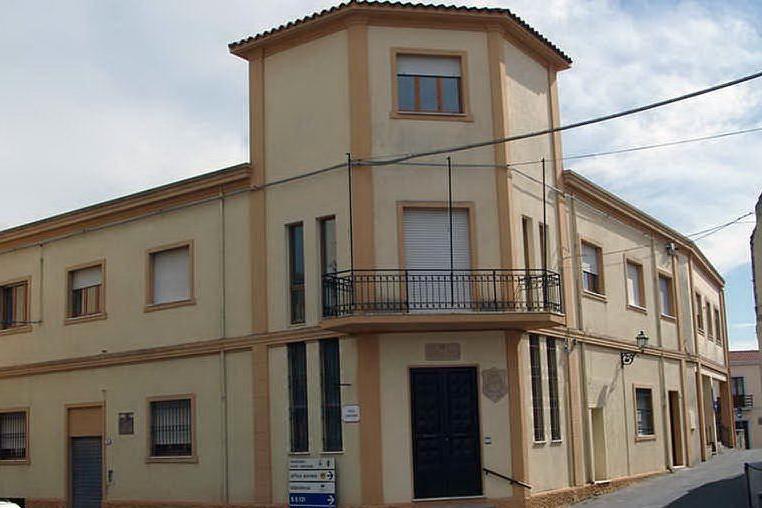 Il municipio di Villanovaforru (foto Antonio Pintori)