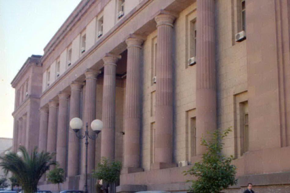 Sassari, inchiesta della Procura sull'acqua non potabile: avviso di garanzia all'amministratore unico