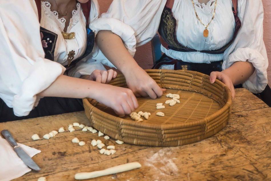 Pasta tradizionale sarda, un laboratorio a Torino