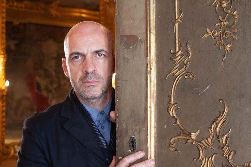 Milano fashion week, la geniale artedi Antonio Marras fra la cenere del Montiferru