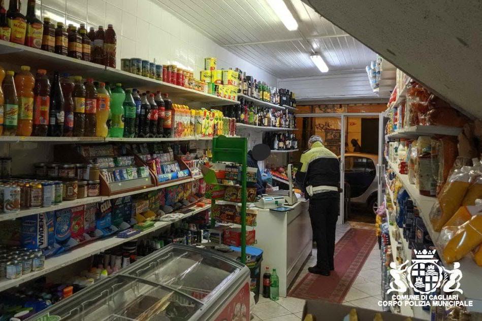 Vendono alcolici dopo le 21: Cagliari, multa salata a due mini-market