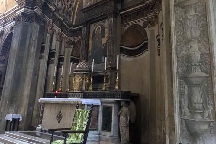 La rabbia, il miracolo, il dipinto e la chiesa