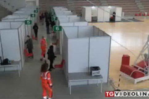 Resse e assembramenti per i vaccini: al Poliambulatorio di Oristano arrivano i carabinieri