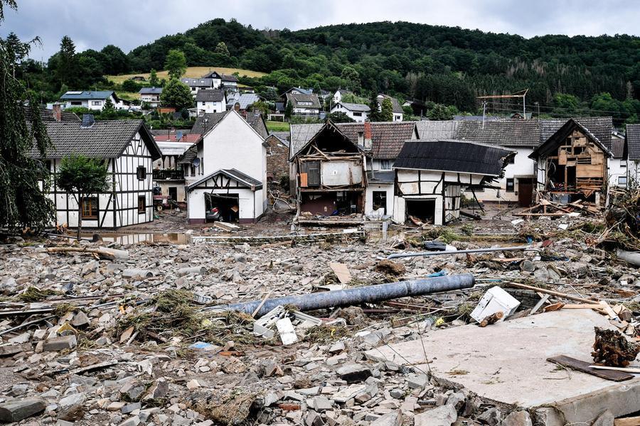 """Alluvioniin Germania, oltre100 vittime e più dimille dispersi: """"Colpa del cambiamento climatico"""""""