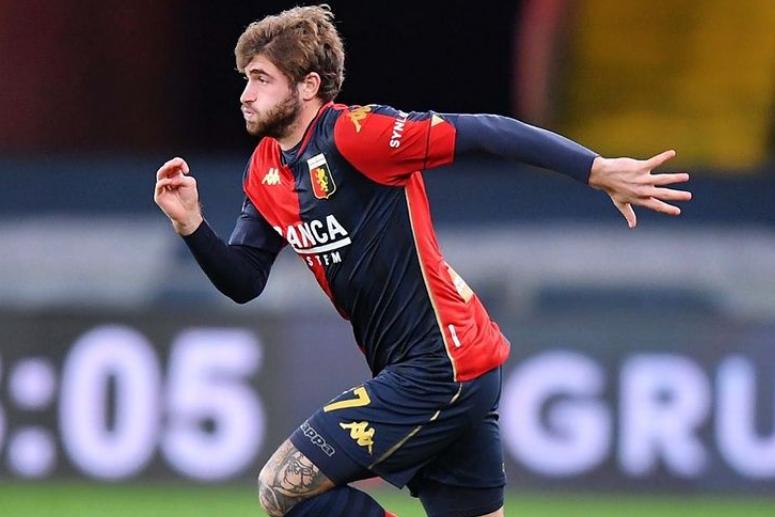 Stupro di gruppo, il calciatore del Genoa ai domiciliari non risponde al gip