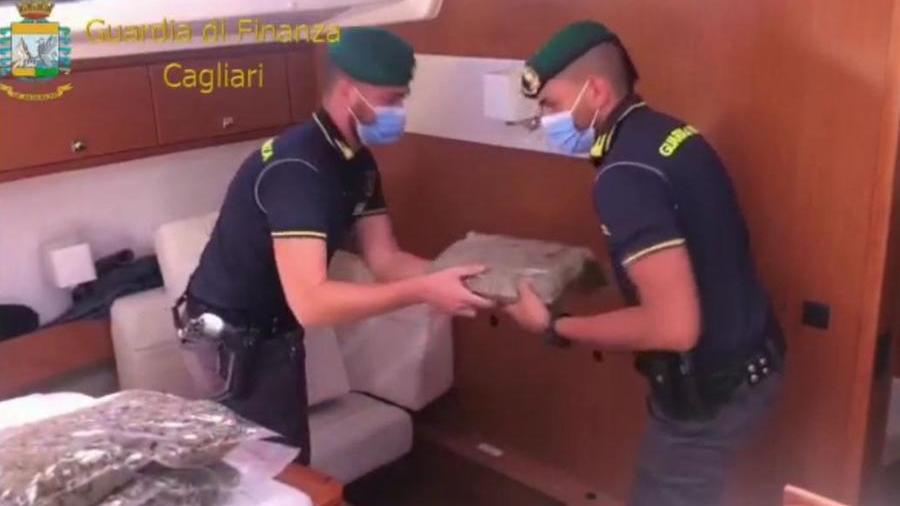 01-09-2021_veliero_sospetto_all'isola_del_toro_a_bordo_un_quintale_di_droga_.html