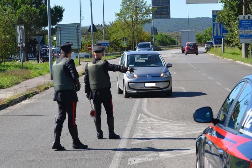 Alla guida senza patente e sotto l'effetto dell'alcol: Iglesias, denunciato 40enne