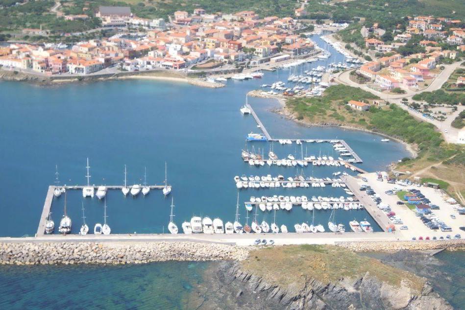 Il porto turistico di Stintino