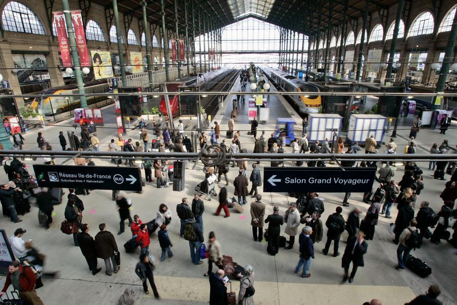 Allarme bomba, dopo i controlli riaperta la Gare du Nord