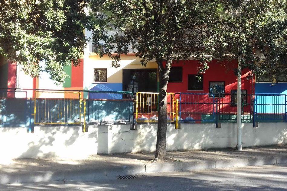 Dieci nuovi casi a Carbonia ma intanto riapre una scuola materna
