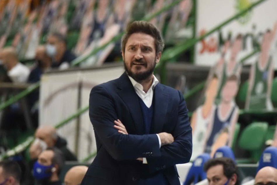 Basket: la Dinamo prepara il big match contro Venezia