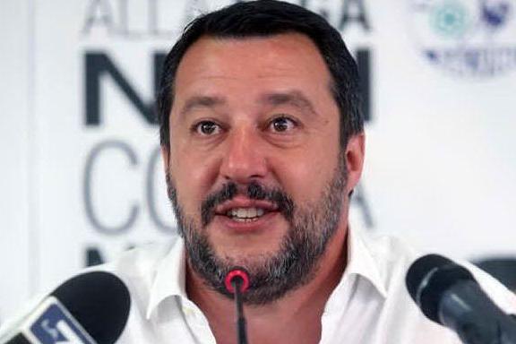 """Diciotti, la giunta dice """"no"""" al processo a Salvini. Sconfitta 5 Stelle?"""