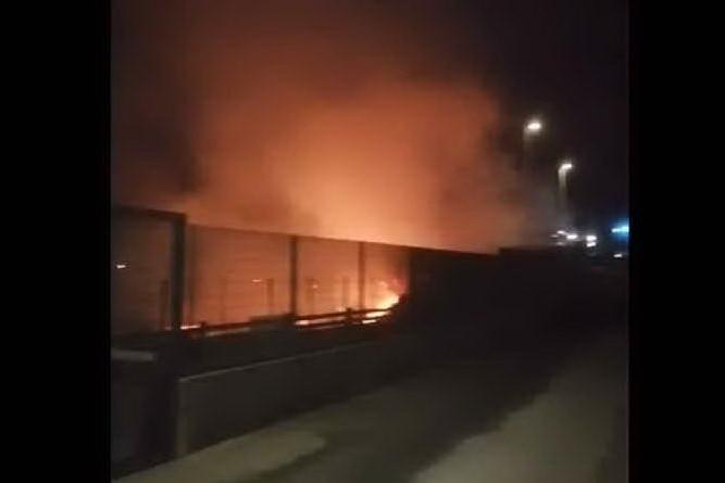 Vasto incendio a Tuvumannu: nella notte vigili in azione VIDEO