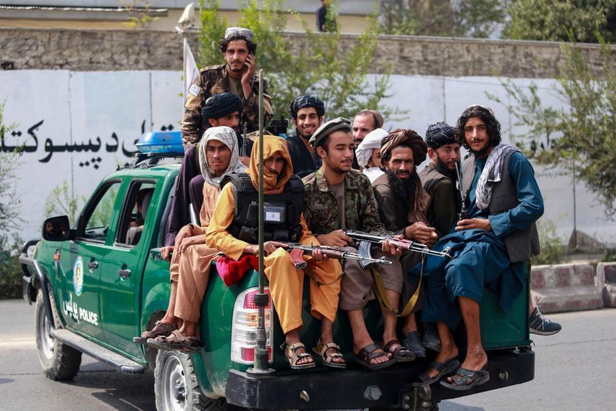 """L'annuncio dei talebani: """"Torneranno le esecuzioni e le amputazioni di mani e piedi"""""""
