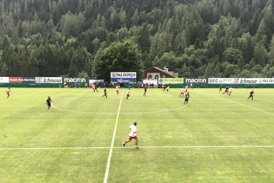 Il Cagliari batte 5-0 il Real Vicenza