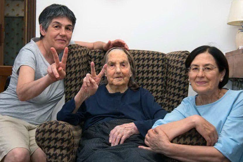 Gesturi in lutto, addio alla nonnina di 102 anni