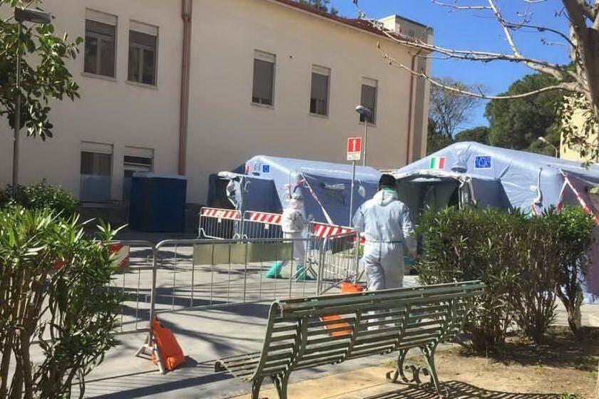Cagliari, positivo al Covid fugge dall'ospedale: catturato dopo due ore