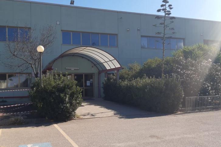 Porto Torres: tentativo di furto con scasso nelle scuole Nautico e Liceo