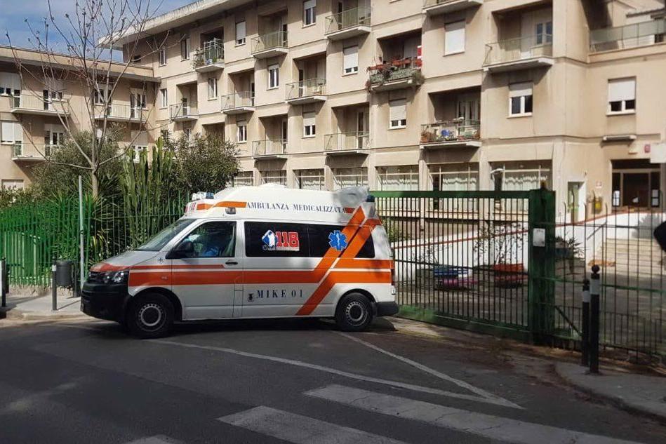 Un'ambulanza a Casa Serena (Foto G.L.Deidda)